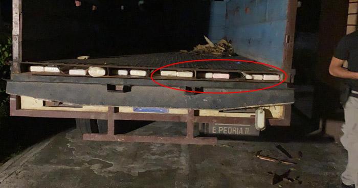 Ocultaban 200 paquetes de cocaína en un camión en Intipucá, La Unión