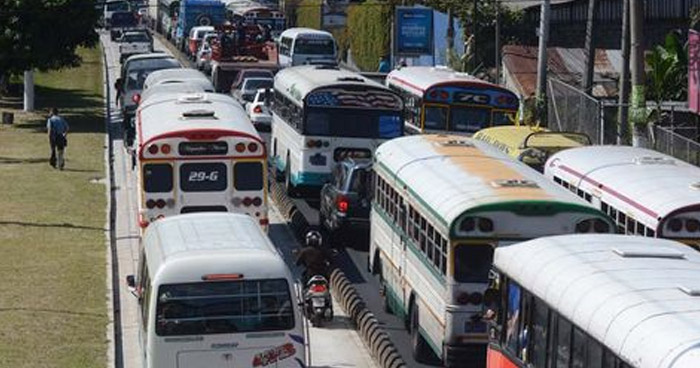 Diputados aprueban entregar compensación económica al Transporte Público