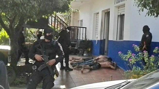 Capturan a tres posibles responsables del homicidio de un agente de la PNC en Santa Ana