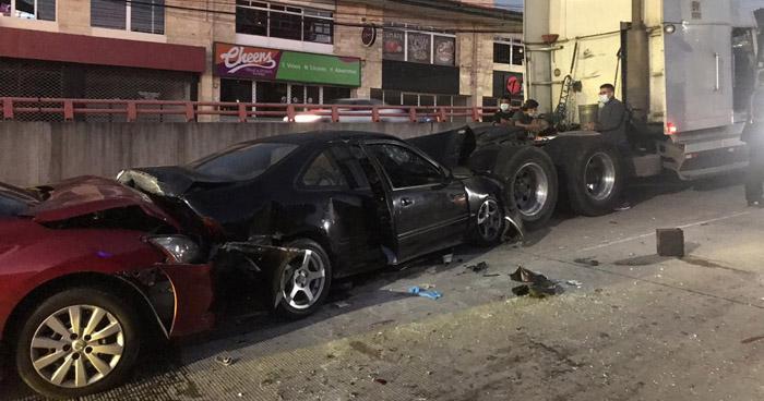 Un muerto y 3 lesionados tras fuerte accidente en túnel del redondel Masferrer
