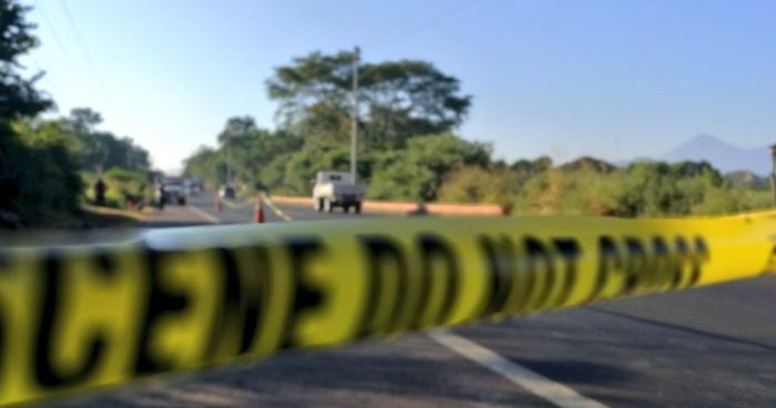 Encuentran cadáver de un hombre envuelto en sabanas y atado de pies y manos en la carretera Troncal del Norte