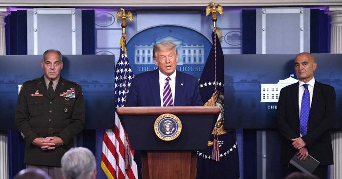 """Donald Trump: """"La vacuna contra la COVID-19 llegará a todos los estadounidenses en abril de 2021"""""""