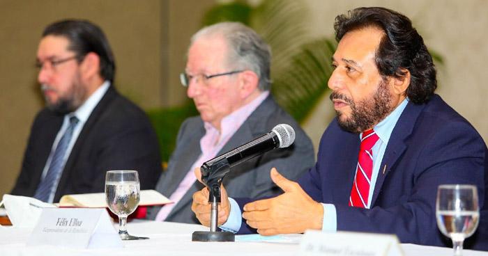 Vicepresidente de la República presenta a miembros del equipo Ad Hoc para el estudio de reformas a la Constitución