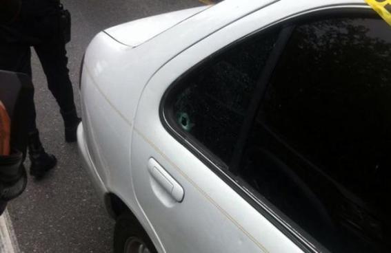 Un hombre fue asesinado a balazos por pandilleros dentro de su vehículo en San Miguel