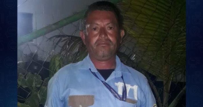 Sorprenden a vigilante con más de 340° de alcohol mientras trabajaba en Soyapango
