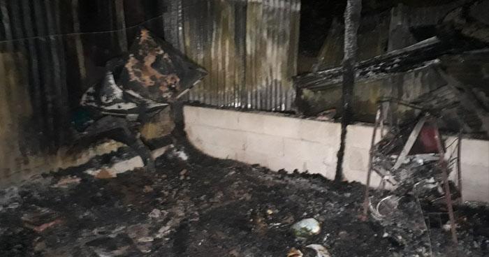 Incendio destruyó una vivienda Comasagua, La Libertad