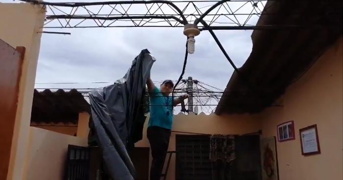 Tornado durante tormenta arrancó los techos de viviendas en Santa Ana