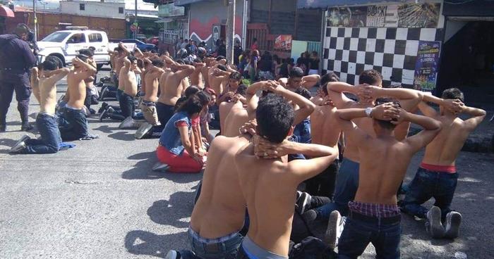 Interviene a 50 pandilleros reunidos en un bar de la Zona Real de San Salvador