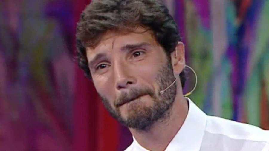 Stefano De Martino auto danneggiata - Solonotizie24