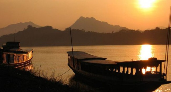Lost Earth Adventures Mekong boat photograph