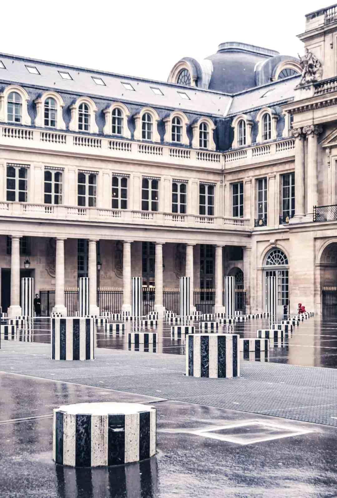 Colonnes de buren les deux plateaux palais royal paris solosophie - Salon de the palais royal ...