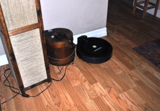 Irobot Roomba 770 Vacuum Robot Docked