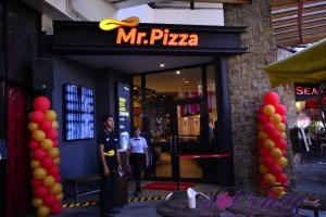 Mr. Pizza: Korea's top pizza chain opens in Greenbelt