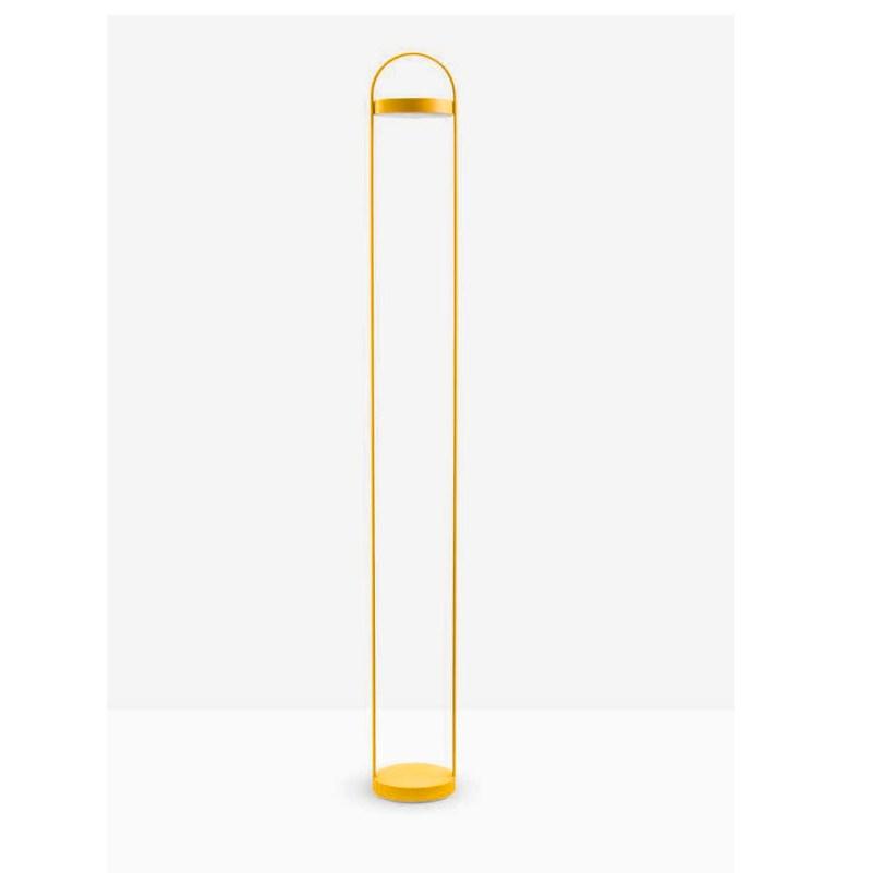 lámpara.pie.amarilla