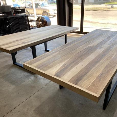 mesa de guayubira de 250 x 100 V