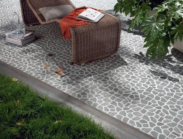 Come pulire un terrazzo con piastrelle di ciottoli con