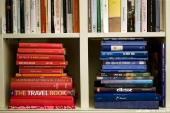 catalogarli per autore o per titolo