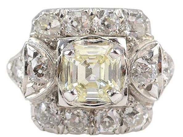 N-O Color 1.00 Carat Emerald Step Cut Center Diamond Ring