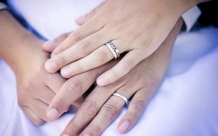 How To Pair a Vintage Engagement Ring With a Wedding Band