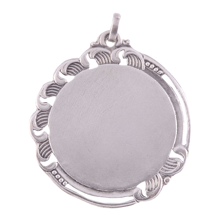 silver pendant to engrave