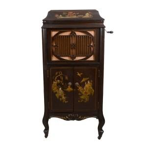 Brunswick Model 117 Gramophone