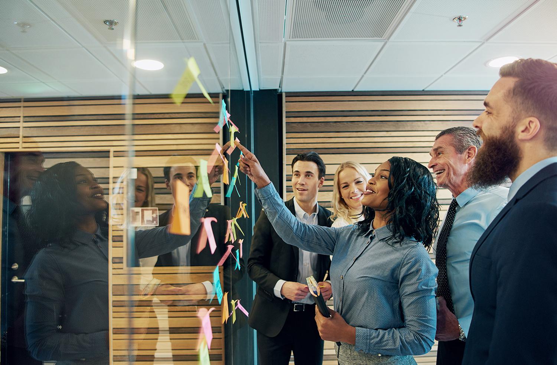 Cheerful�entrepreneur team talking in the office