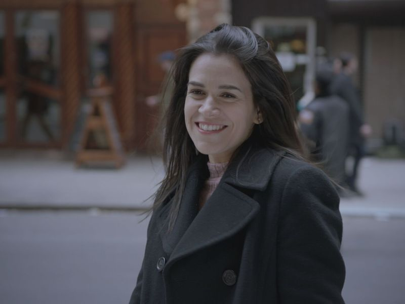 "Abbi Jacobson in the ""Bedbugs"" episode of Broad City, airing November 29, 2017."