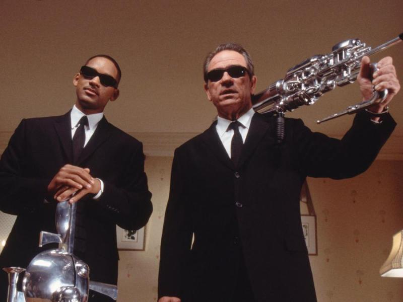 Agent Jay (Will Smith) and his partner Agent Kay (Tommy Lee Jones) in Columbia Pictures' Men in Black 2