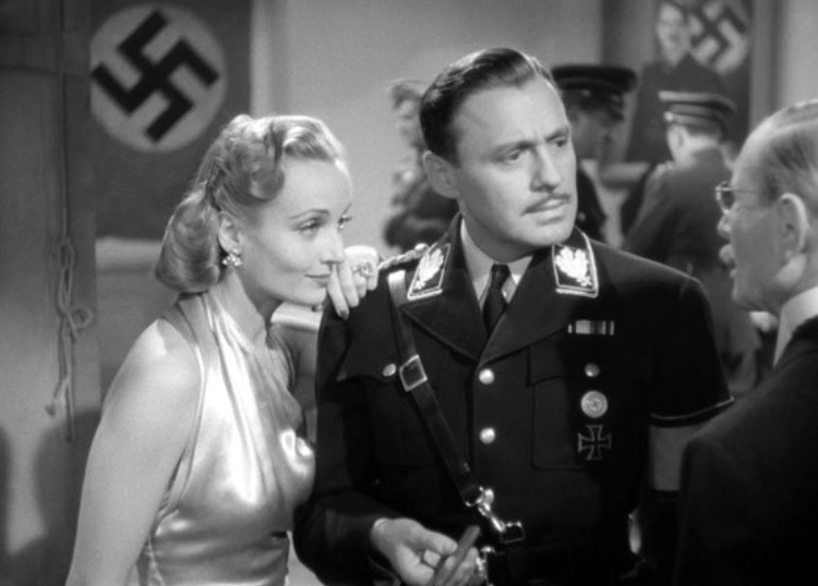 Carole Lombard and Jack Benny in To Be Or Not To Be