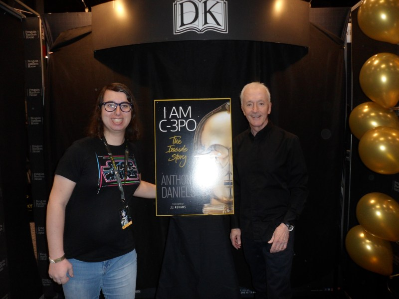 Danielle Solzman and Anthony Daniels at Star Wars Celebration Chicago.
