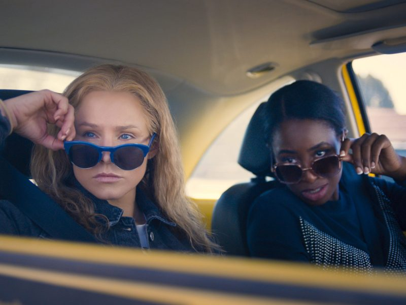 Kristen Bell and Kirby Howell-Baptiste in Queenpins