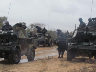 http://www.somaliareport.com/images_medium/Kenyan_Troops_in_Lower_juba___effected_by_rain.JPG