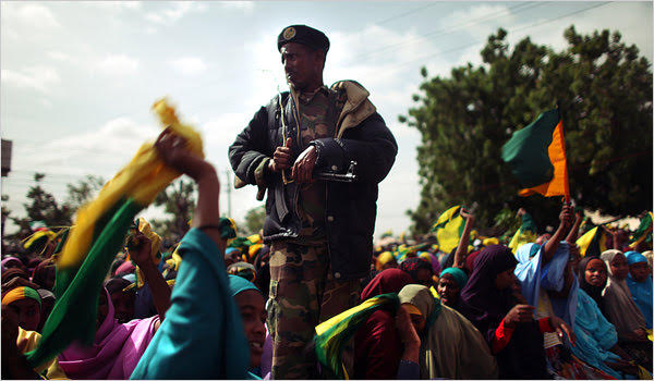 Enthusiastic crowd gathered for an election rally for the opposition Kulmiye party during 2010 presidential election, in Burao, Somaliland.(Photo/ NY Times)