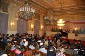Na-koncertu-profesora-somborske-Muzicke-skole-prisutne-je-pozdravio-Branislav-Svorcan-pomocnik-gradonacelnice-za-kulturu-i-informisanje