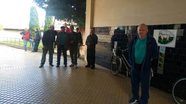 Заинтересовани мештани Кљајићева чекају на ред за пријем код градоначелнице града Сомбора
