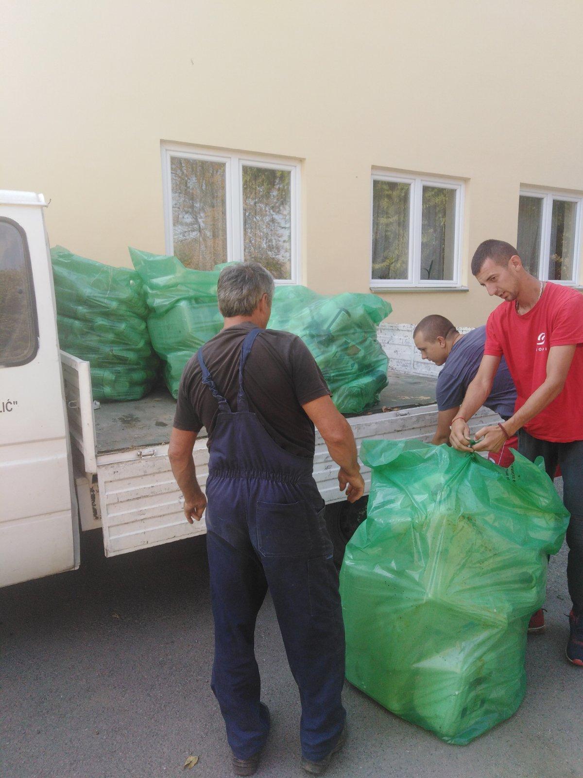 Акција прикупљања пестицидног амбалажног отпада у Кљајићеву