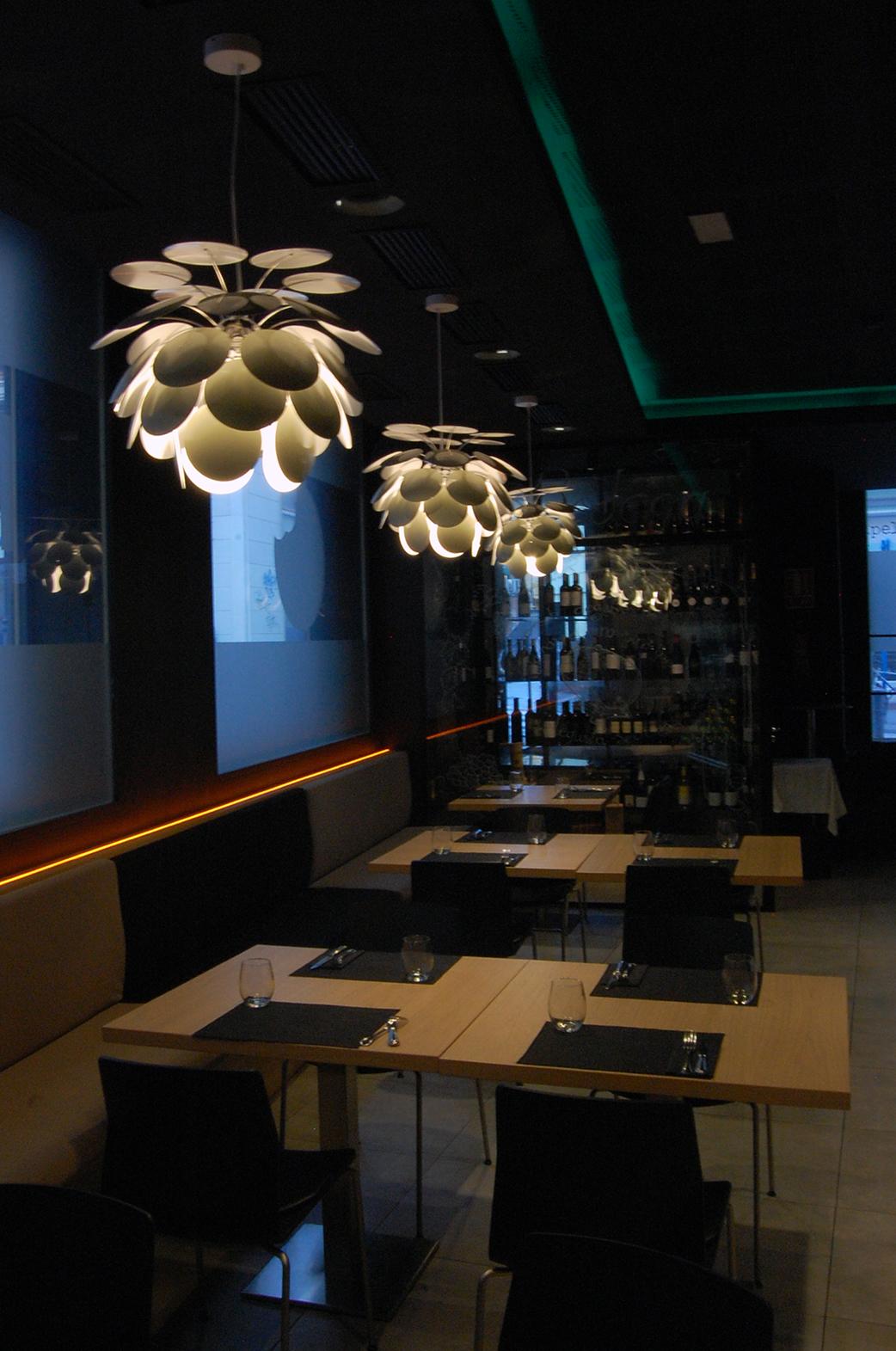 Mordisco Restaurante Gastrobar  Sombras Iluminacion
