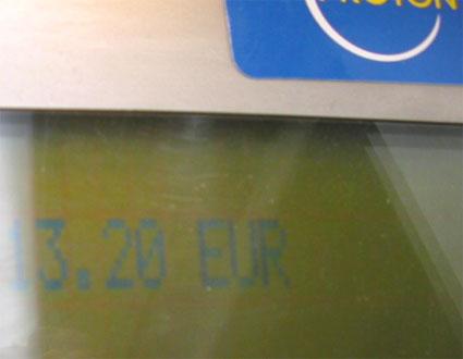 13 euros 20 sur l'ecran vert de ma nuit interparking