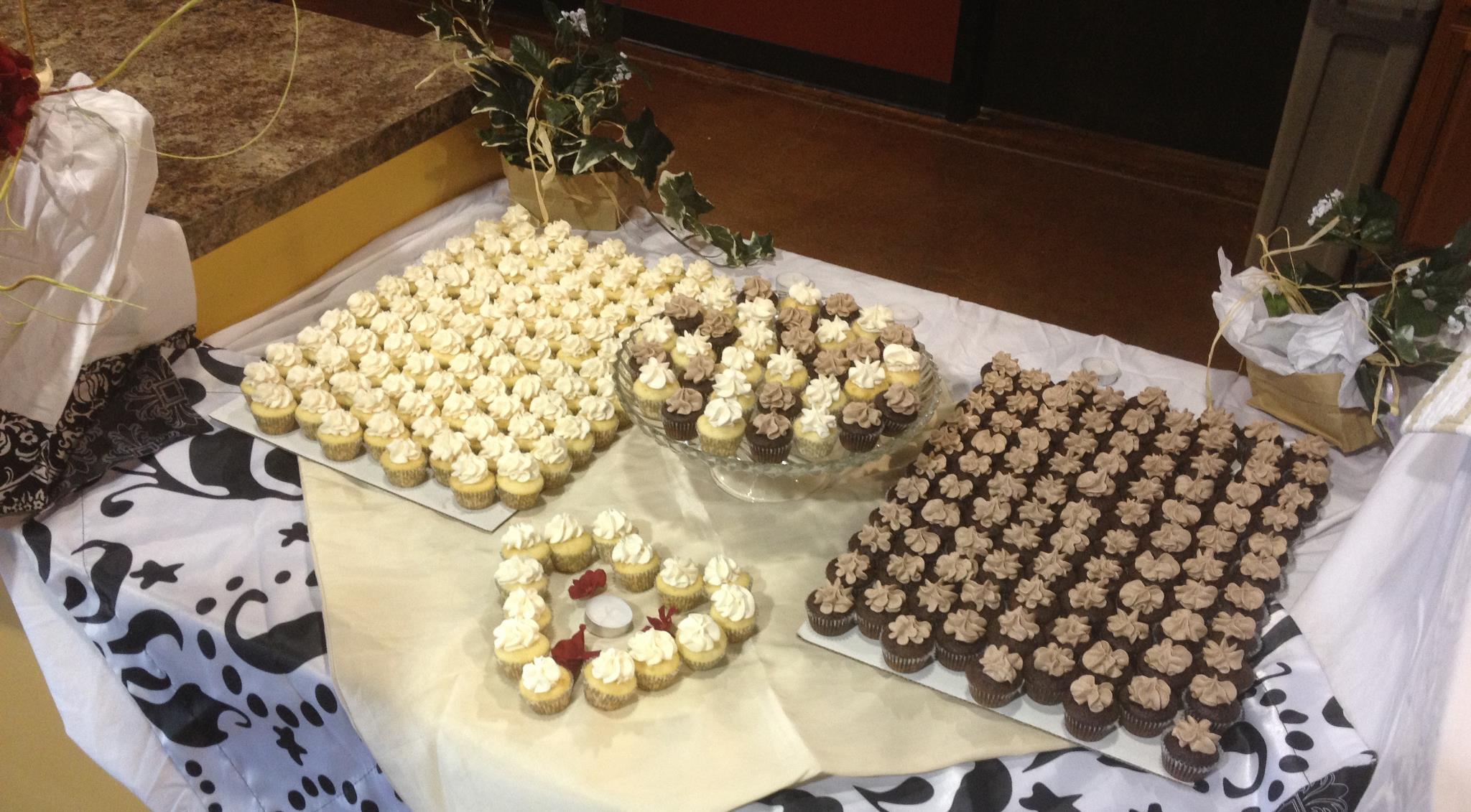 Mini Wedding Cupcakes Galore
