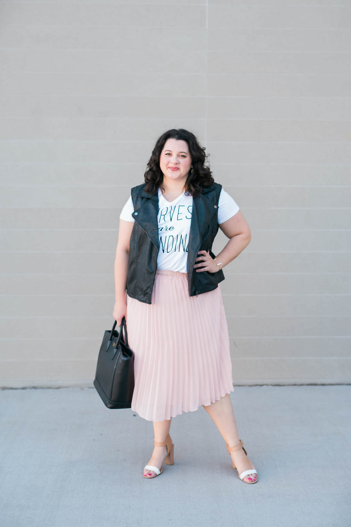 Curves are Trending - Something Gold, Something Blue curvy fashion blog - Body postitivity, love your body, boutique+, jcpenney, what to wear to brunch, girly, summer outfit, prada, cole haan