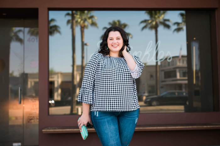 Off the Shoulder, Something Gold, Something Blue curvy style blog, Cynthia Ronson black and white off the shoulder gingham top, kut from the kloth jeans, kendra scott, just fab, kate spade, night on the town outfit, what to wear out, casual off the shoulder outfit