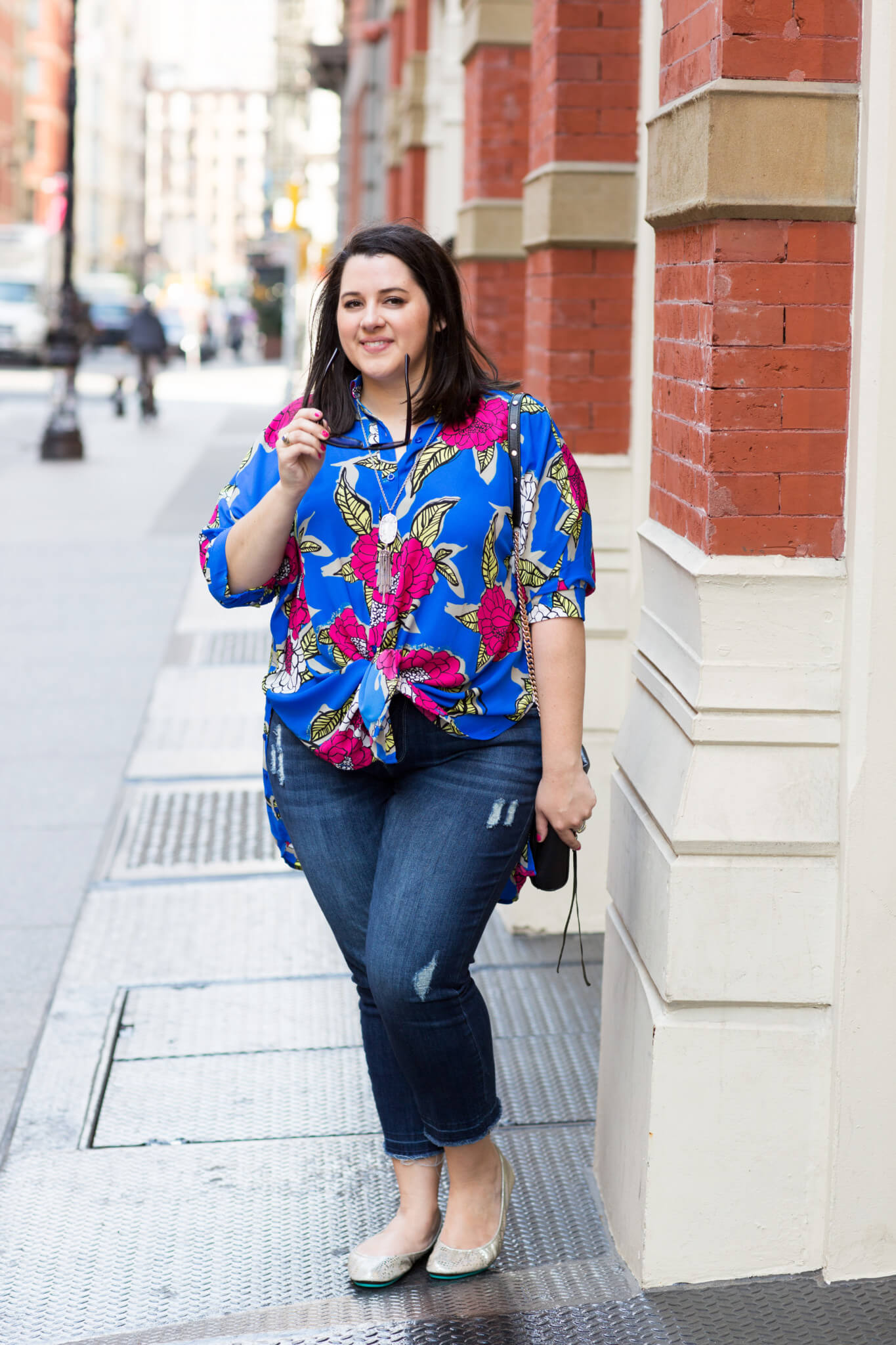 In a New York State of Mind | Something Gold, Something Blue curvy style blog by Emily Bastedo | Melissa McCarthy Seven7 Floral Top, What to wear in the summer, New York summer time, summer in NYC