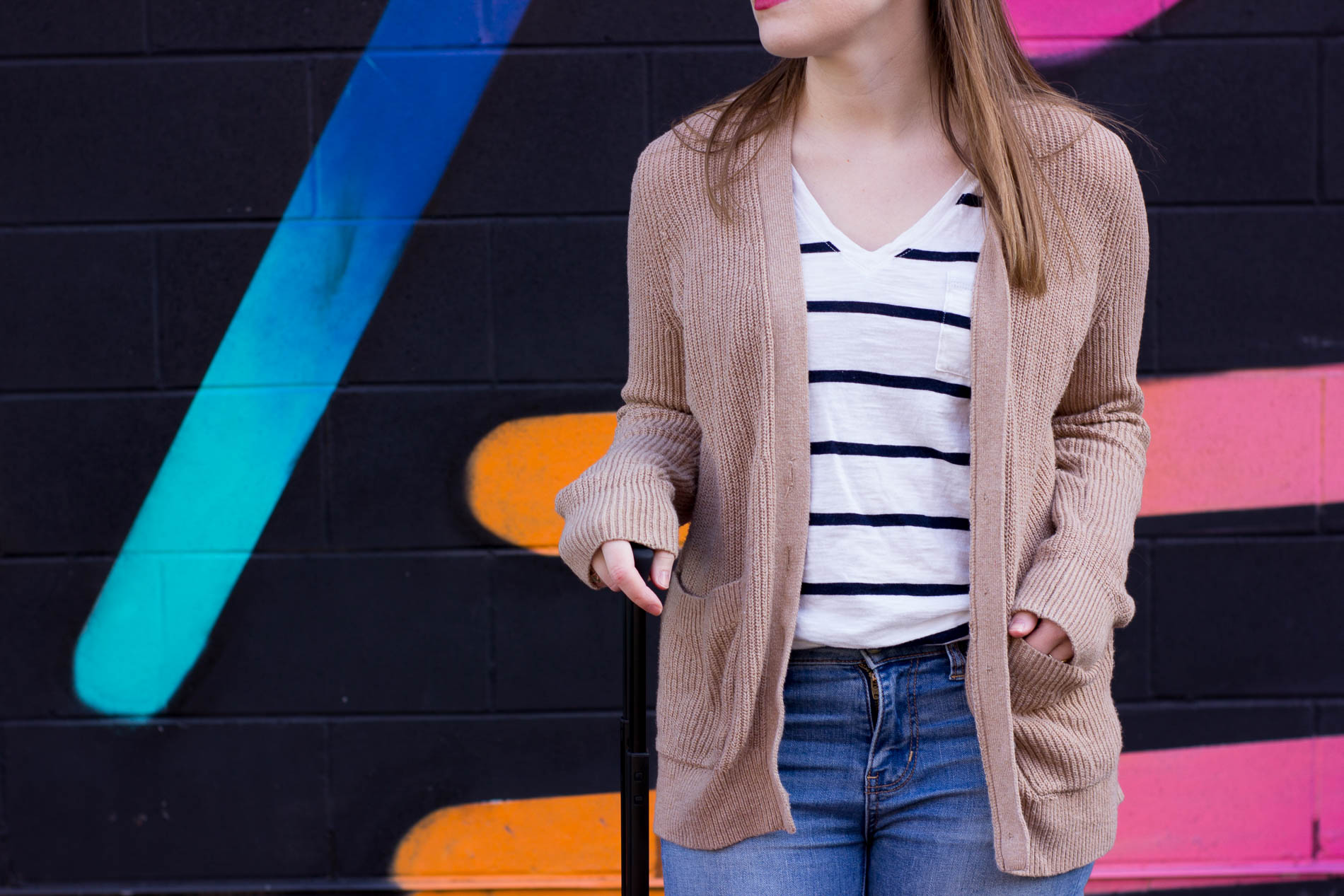 The Perfect Travel Outfit | Something Good, @danaerinw , abercrombie and fitch boyfriend cardigan