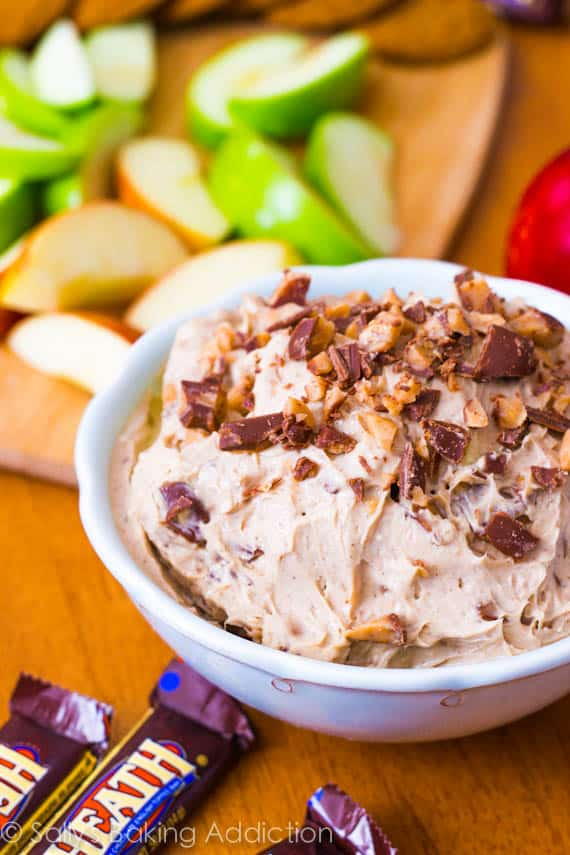 Cinnamon Toffee Cheesecake Dip