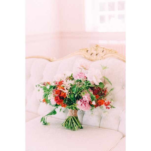 Perfectly perched on our Dalton sofa ? by @rebekahjmurray#vintagerentals #vintage #weddings #eventstyling #weddingflorist #weddinginspo  #weddings #dcwedding #vintageweddings #marylandwedding #floraldesign  #weddinginspiration #eventdecor #acreativedc