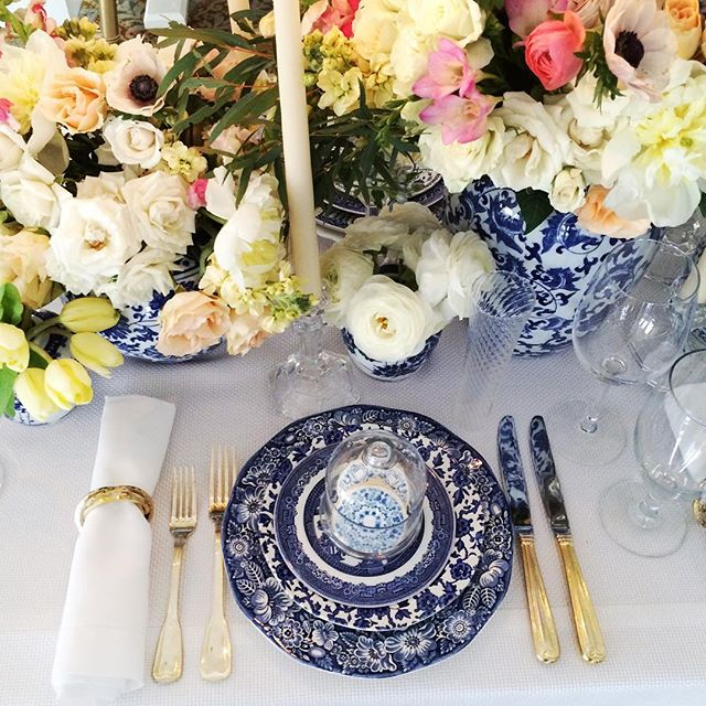 We're still on ️ 9 after showing off our new collection of blue and white #vintage plates at @ The Bethesda Country Club yesterday and at a knockout wedding with @taylorandhovevents last weekend. …..#vintagerentals #vintage #weddings #eventstyling #weddingflorist #weddinginspo  #weddings #weddinginspiration #risingtidesociety #wedding #dcwedding #flowers #vintageweddings #floraldesign  #weddinginspiration #eventdecor #gold #acreativedc #blueandwhite #vintagechina #marylandwedding #spring