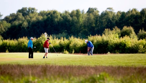 "090606 Karlstad Sweden/ Photo Christer Höglund / Players on the 9th green at Sommarro Golf Links during the ""National Day Competition"""