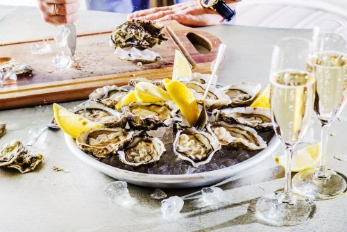 Champagne and Oyster Food Pairing