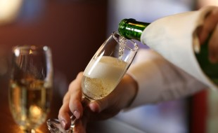 What is a Blanc de Blancs Champagne? | SommelierQA.com