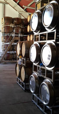 Winemaking 101 - Steel barrels vs. French Oak.